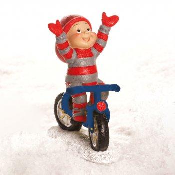 Babynisse dreng på cykel, holder ikke på styret